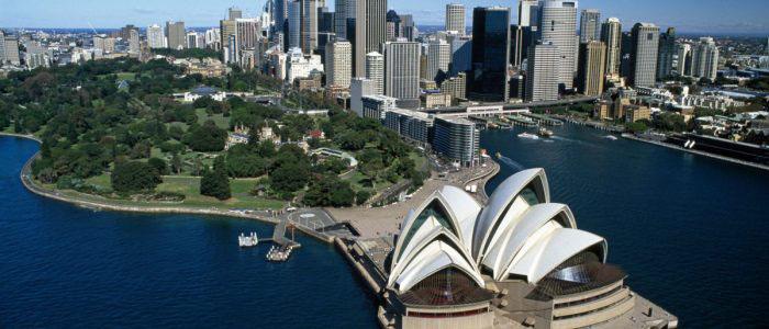 Sydney opera house overview shot